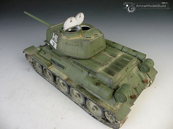 Picture of Soviet T-34/85 Tank  Built & Painted 1/35 Model Kit
