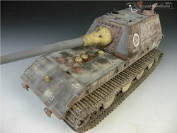 Picture of Jagdpanzer E100 Tank Built & Painted 1/35 Model Kit