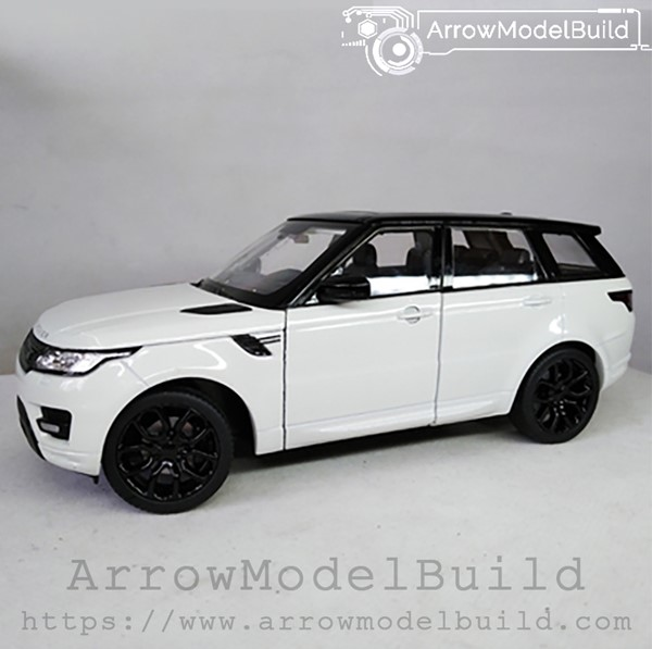 Picture of ArrowModelBuild Land Rover Custom Color (Lanyun White) Black Wheel Version 1/24 Model Kit