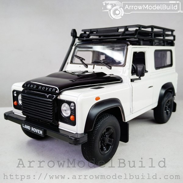 Picture of ArrowModelBuild Land Rover Custom Color (Panda Color) With Luggage Rack 1/24 Model Kit