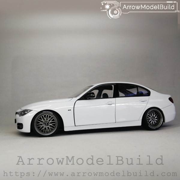 Picture of ArrowModelBuild BMW 330i BBS LM (Ore White) Low Profile Modification 1/24 Model Kit